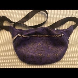 Disney Loungefly Haunted Mansion Fanny Pack!